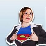Mitarbeiterin mit Superman T-Shirt